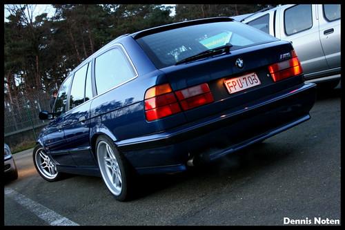 File BMW E34 M5 Sedan 02-farm3.static.flickr.com