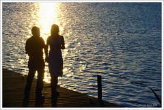 romance (mfgraf.com) Tags: love valencia contraluz atardecer mar agua amor sony romance explore reflejos ferrol parejas abigfave dsch9 mfgtaf