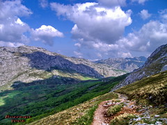 walking by... (bozenqa) Tags: shadow espaa mountains nature clouds landscape freedom spain space asturias paisaje views sotres picosdeeuropa parquenational supershot 5photosaday asturia abigfave ysplix bozenqa
