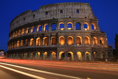 Colise - Rome - Italie (Micky75017) Tags: voyage travel viaje italien italy rome roma monument night canon noche photo europe italia nacht picture trails trail 7d noite coliseum lighttrails bluehour nuit rom notte italie imagen noc itali colosseo  coloseum  colise     rzym wochy lignt     m   ducloux  micky75017
