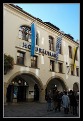 Hofbräuhaus, München (matt :-)) Tags: beer munich münchen bayern bavaria mas monaco 1870mmf3545g brewery hofbrauhaus bier munchen mattia birra cervecería muenchen hb hof brasserie hofbrau platzl baviera hofbräuhaus brauerei hofbräu cervejaria birreria birrificio nikond80 staatliches consonni mattiaconsonni
