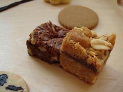 4 O'Clock: Pecan Brownie & Peanut Butter Jelly Bar