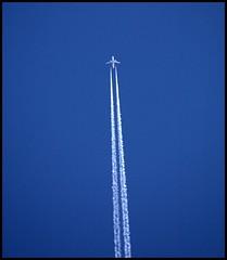 derbyshire clear skies (*Melody*) Tags: blue plane flying contrail derbyshire frombelow hero winner 1001nights simple intheair airoplane twocolours photofaceoffwinner pfogold herowinner
