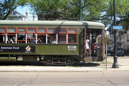 New Orleans - Garden District: St. Charles Streetcar