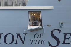 IMG_1119 (Lox Pix) Tags: loxpix ovationoftheseas royalcaribbean cruise ship ships tug freighter cargoship portofbrisbane queensland qld australia luggagepoint myrtletown queenmary2lookout loxwerx l0xpix