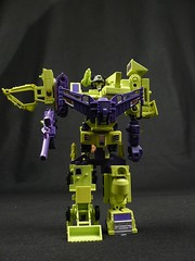 Day 127 - Devastator (October 19, 2007) (MegaBee) Tags: macro toys transformers hook scavenger constructions mixmaster day127 scrapper devastator longhaul bonecrusher project365