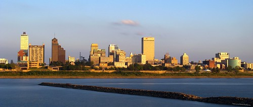 Memphis from the Mighty Mississip - flickr/Exothermic