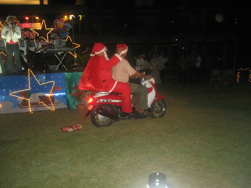 santa_scooter_1