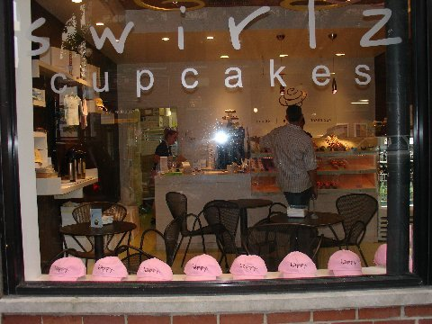 Pink hat window at Swirlz Cupcakes