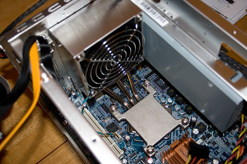 The Neat CPU Heatsink Built Into the Shuttle XPC case