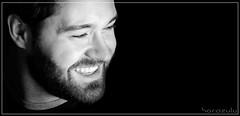 Felicidad (Fernando Rey) Tags: portrait bw smile retrato happiness sonrisa felicidad soe