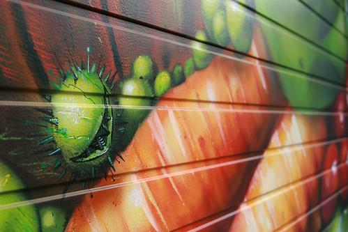 Detail: SEAK Auftragsgraffiti/ Metalltor Innenstadt Köln