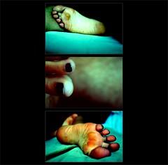 At your feet (ManuelChao [ MoMoChao / ManuChao]) Tags: feet pie foot toe nail barefoot pies dedo descalzo ua descalza 10faves trilogias