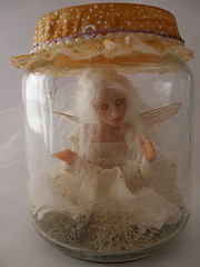 SE#07 ~ Captured Fairy (Nenfar Blanco) Tags: sculpture art doll handmade oneofakind ooak captured polymerclay fairy fantasy jar faerie hada fae capturada nenufarblanco