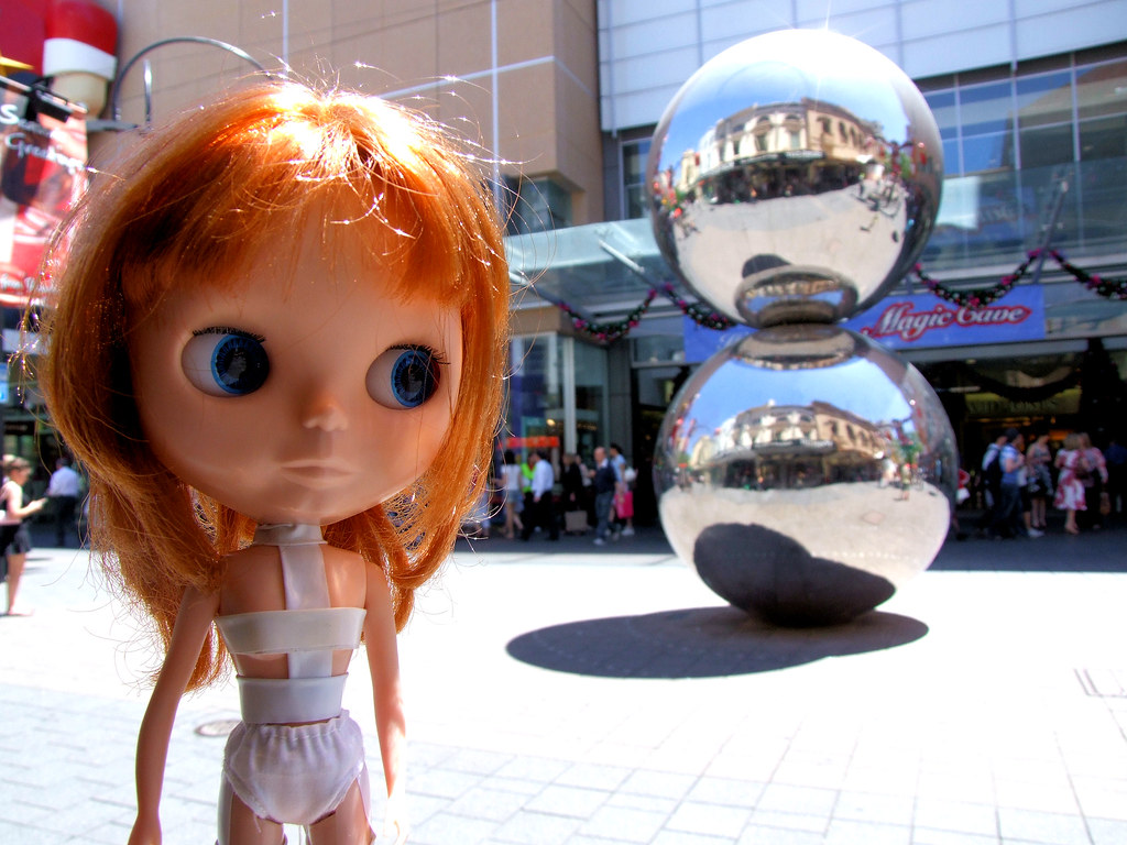 4. Olive in front of the Mall's Balls!