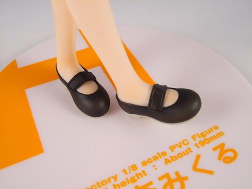 [57] 鞋子特寫1