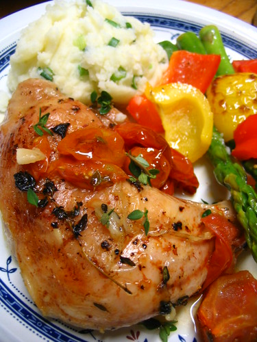 Roast chicken legs with tomatoes 4