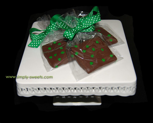 St. Patricks Day chocolate covered graham crackers