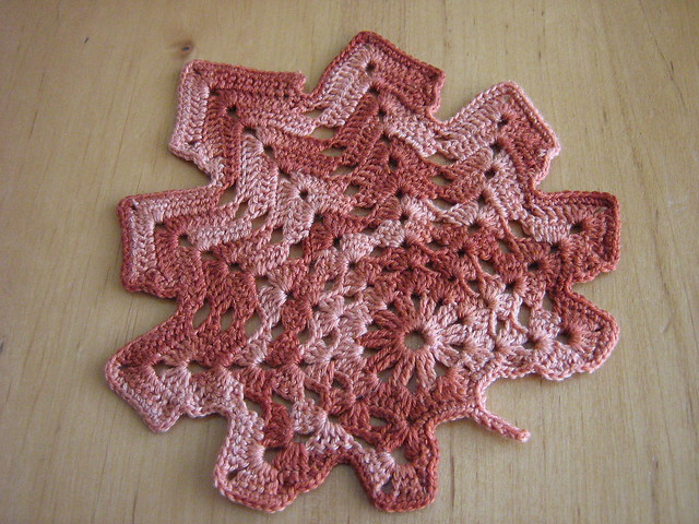 AUTUMN CROCHET LEAF PATTERN - CROCHET PATTERNS