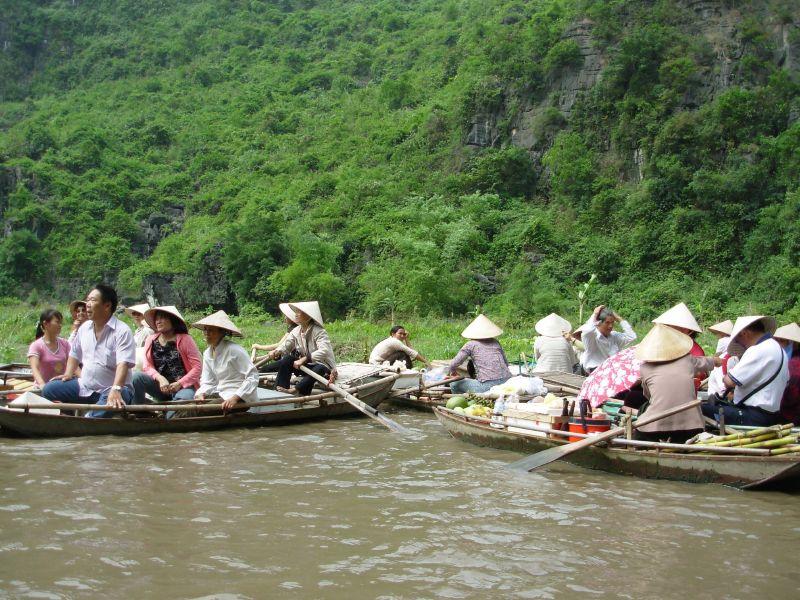 Sur l'eau-Tam Coc