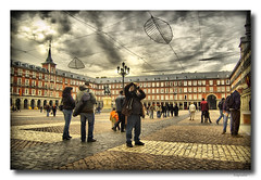 Pablo en la plaza Mayor (Tonymadrid Photography) Tags: madrid city espaa photo spain foto shot capital ciudad fotografia kdd imagen tonymadrid