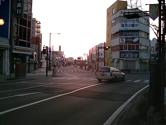 080311town04