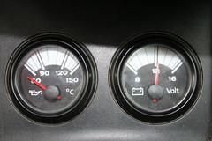 (Tiago Ganho Fotografia) Tags: 2 preto carro bateria numeros numero leo ponteiros seatibiza ponteiro manmetro