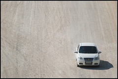 (It's Stefan) Tags: africa white lines car traffic offroad tracks traces namibia birdseyeview vogelperspektive luftaufnahme  vistadepajaro vistadallalto visopanormica enplonge  avistadocell    kubakgrn