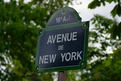 Avenue de New York | Paris 16e (Elisabeth de Ru) Tags: paris france geotagged europa europe frana frankrijk francia parijs parys  parisi   pariz  avenuedenewyork paris16earrondissement celisabeth85flickr  sonydslra300 muettesud signsinparis elisabethderu