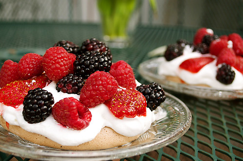 chocolatepavlova.jpg