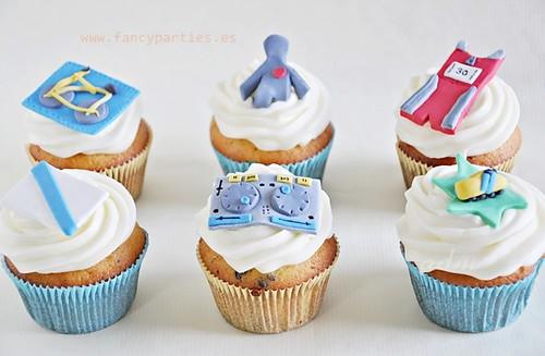 Triathlon 30th Birthday Cupcakes 1/3
