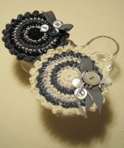 Crocheted reflective broaches