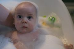 L'heure du bain (Missev Shots) Tags: baby bath bodylanguage bain bb marraine filleul orcar