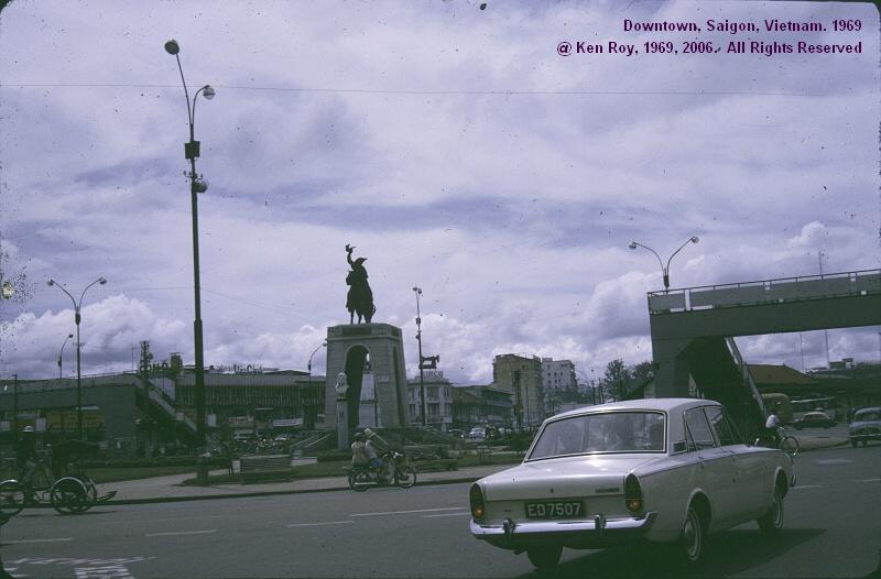 Bung binh Saigon. Tuong Tran Nguyen Han Thanh to Binh chung Truyen Tin