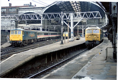 Liverpool Street Station, London - 1986 (Jerry Godwin) Tags: england london trains liverpoolstreetstation greateastern class86 class47