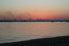 Southampton Sunset - February 2008 (SlinkeySi) Tags: sunset southampton fawley