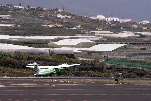 ATR-72 despegando