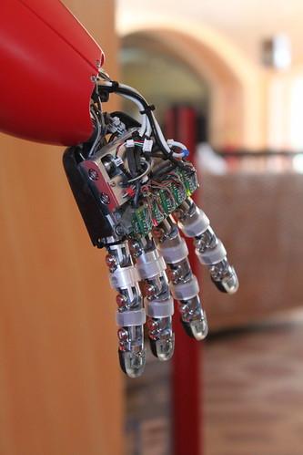 iCub robot hand