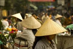 Hats (loominpapa) Tags: october pentax market vietnam hanoi smc 2007 utataliveshere k10d earthasia utata:project=tw79