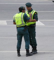 GRS - Guardia Civil (Oscar in the middle) Tags: spain police spanish civil cop motorcycle intervencion officer guardia español ejercito trafico motorista grs