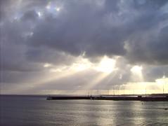 Sønder Strandvej (balzerowitz) Tags: sea sun yellow denmark grey coast bright cloudy dramatic pale danmark coulds impressive helsingør oeresund strandvej terrascania sønderstrandvej
