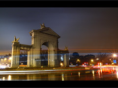 Puerta de San Vicente. Madrid. (guidacla) Tags: madrid longexposure photo flickr nocturna mirada imagen 30d calidad fotografa aficionado tamron1750 golddragon entusiasta guidacla