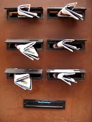mail (maartje jaquet) Tags: antwerpen trashbit unintendedpeople sculpturetrouve