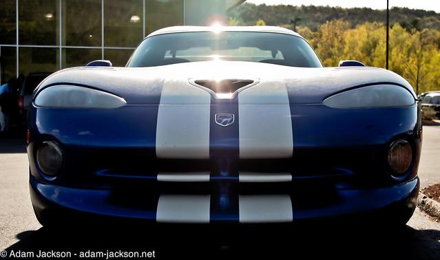 blue white stripes 1996 racing dodge viper gts