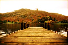 ullswater jetty (alternativefocus) Tags: autumn lake fall pentax jetty lakedistrict cumbria ullswater amazingtalent golddragon pentaxk10d colorphotoaward alternativefocus ullswaterjetty