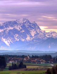 Zugspitze in Foehn Weather (Claude@Munich) Tags: mountain alps weather geotagged bayern bavaria alpen wetter visibility zugspitze fhn ludwigshhe foehn claudemunich fernsicht kleindingharting top20bavaria top20bavaria20 straslachdingharting geo:lat=479676 geo:lon=11514938