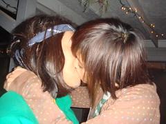 midnight. (brendan gibson) Tags: kiss kissing fran francesca midnight lopez gibson brendan franny 1109 franlopez