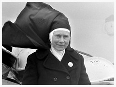 Harwich, UK (jean penders) Tags: old portrait people blackandwhite bw records ferry religious women catholic pra poland polish nun historic nostalgia 1975 stare 70s modesty historical oldphotos historia easterneurope harwich polishhistory audel oldpoland starezdjcia czarnobiae zdjciahistoryczne historicalphotos archiwalne pamitkizprzeszoci historicalrecords starezdjciazpolski historyczne przeszo geneza korzenie przodek przodkowie dawneczasy starapolska polandexpress hoekofhollandtoharwich