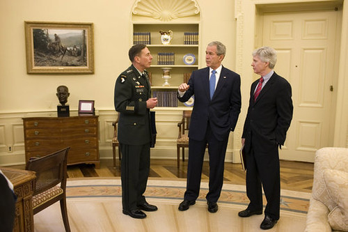 Petraeus respects Bush
