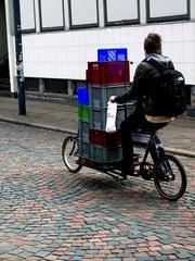 Fishy Punker (velomama) Tags: boy man male bike bicycle copenhagen punk rad bicicleta mann bicyclette vesterbro fahrrad hombre vélo københavn homme fiets cykel bicicletta garcon cargobike halmtorvet longjohn ladcykel kødbyen fishcrates fiskekasser
